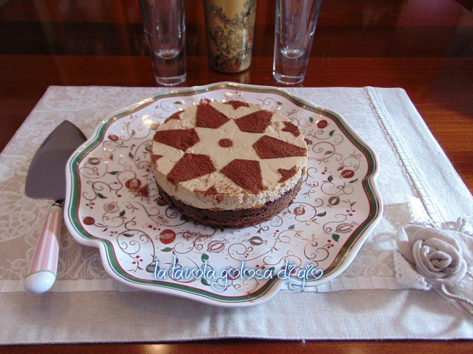 Torta deliziosa con pavesini al tiramisù
