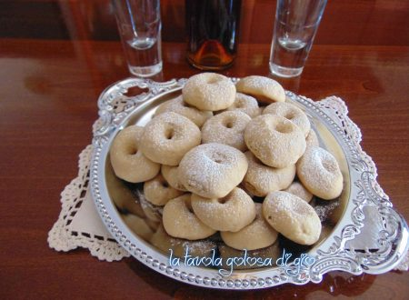 Biscotti dolci al caffè morbidi