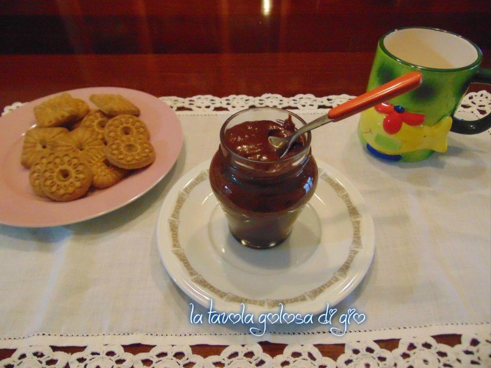 Crema spalmabile di nocciole e cioccolato