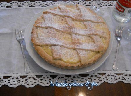 Crostata con panna e vaniglia profumata
