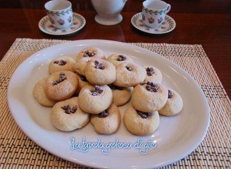 Biscotti con impasto dolce allo yogurt