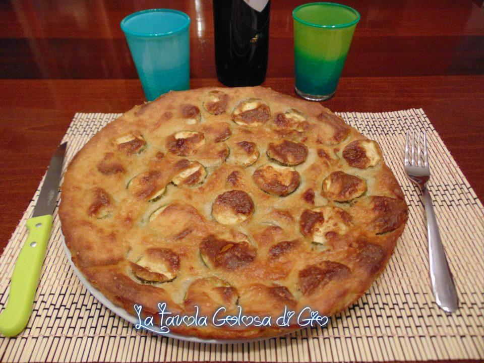 Pizza di zucchine con provola senza lievito
