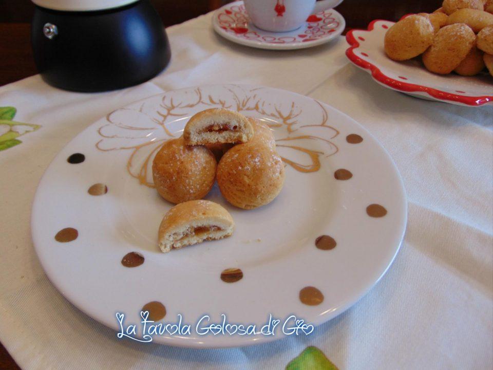 Biscotti della nonna friabili con mele