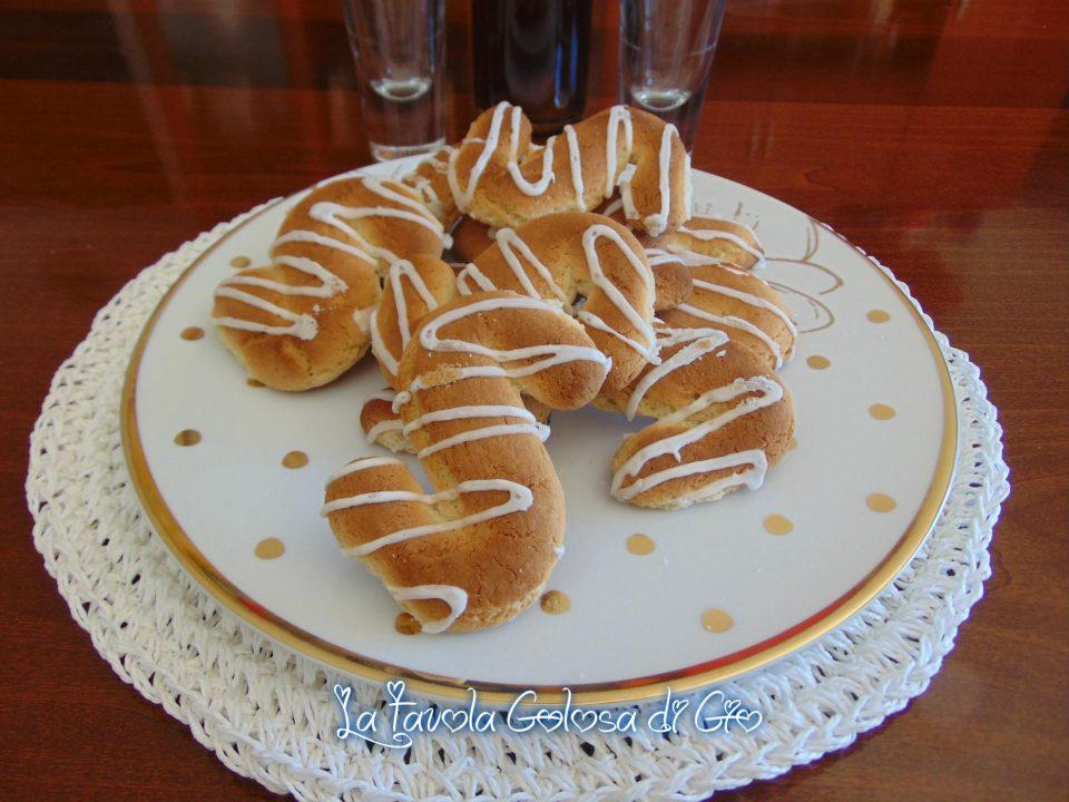 Biscotti di Monreale con glassa al limone