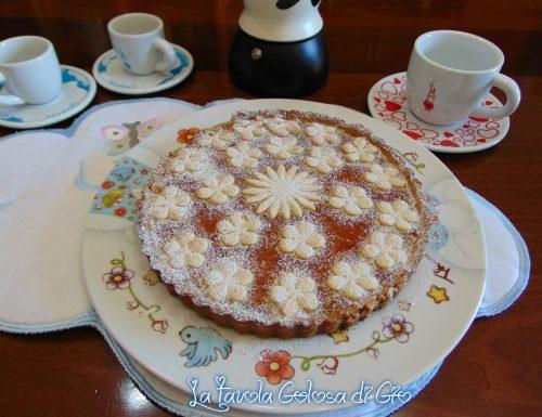 Crostata biscotto con marmellata di albicocche
