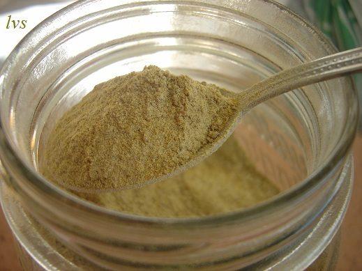 Dado vegetale granulare biologico fatto in casa