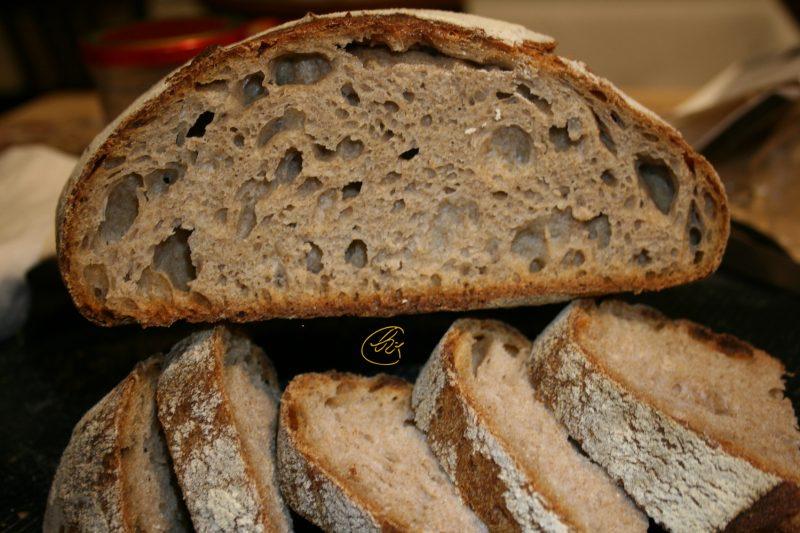 Pane nel bimby a lievitazione naturale, con farine miste e tecnica tang zhong
