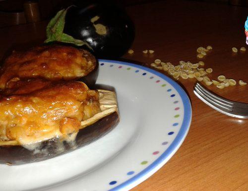 Barchette di melanzane con pasta