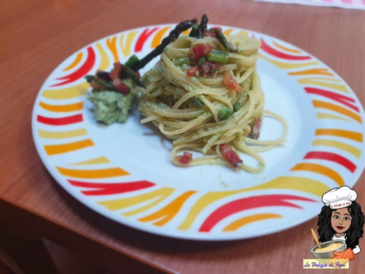 Pasta con asparagi ricotta e pancetta