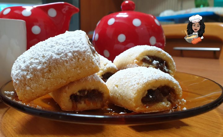 Biscotti con ripieno di datteri e cioccolato ( con MAMBO)