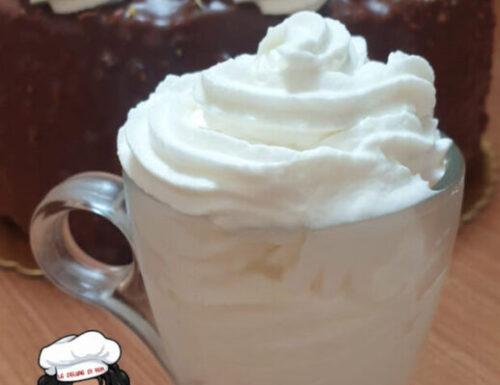Crema fredda al mascarpone yogurt e panna