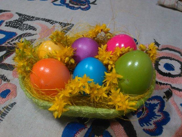 Uova sode colorate di pasqua le ricette di tatiana for Cucinare uova sode