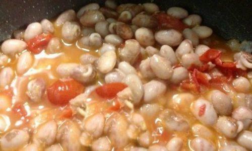 zuppa di fagioli borlotti aromatizzato