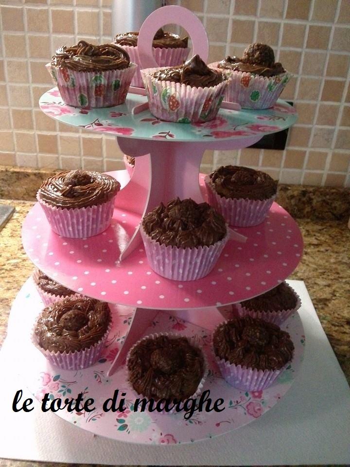 10152410_711809735550620_3753561283180810223_n Cupcake mania al cioccolato ricetta.....