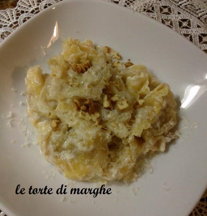 tortelli noci e gorgonzola -una vera delizia-