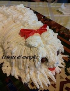 torta a forma di cane shih tzu  con panna
