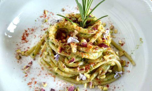 Pasta al pesto di pistacchi e rosmarino