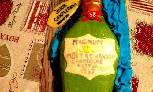 Torta bottiglia champagne per compleanno