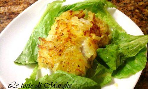 Pollo in crosta dorata di patate ricetta.