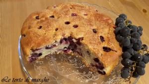 Torta con uva fragola