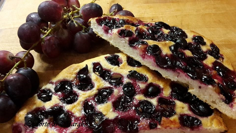 focaccia con uva fragola
