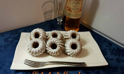 Torta con biscotti sbriciolati