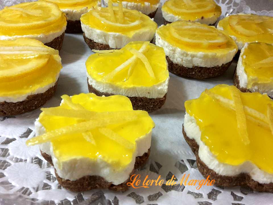 Mini cheesecake con gelee di limone………