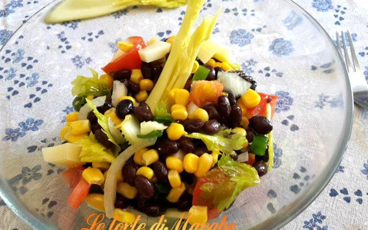 Insalata di fagioli neri con verdure