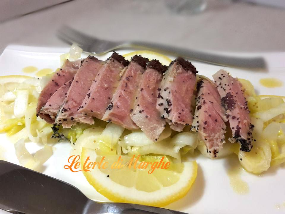 trancio-di-tonno-su-letto-di-insalata Trancio di tonno su letto di  insalata