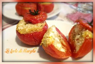 13321628_11206202246695679137590461795794782_n-320x216 Pomodori e peperoni ripieni con quinoa