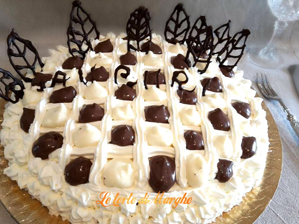 Torta cheesecake forma dama