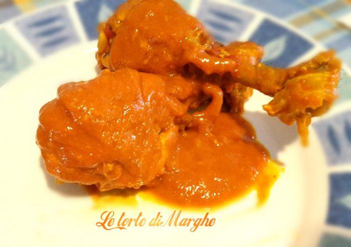 Cosce di pollo con salsa di peperoni