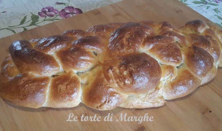 Treccia pan brioche a sei capi dolce o salata