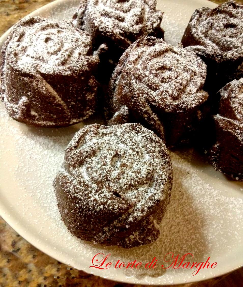 Maffin di rose al cioccolato e mandorle