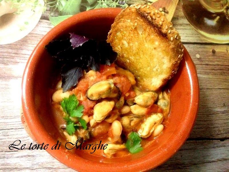 Zuppa di cozze e fagioli sapore di mare.