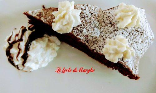 Torta al cioccolato con crema di ricotta e pera