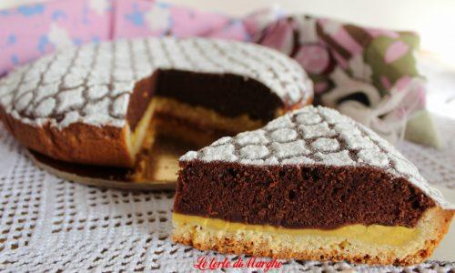 Crostata con crema e pan di spagna al cacao