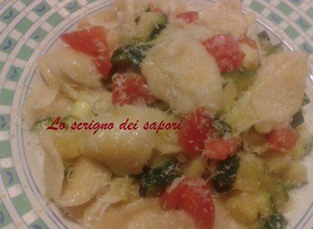 Orecchiette con verdure croccanti