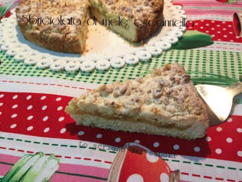 Torta sbriciolata alla mela e cannella