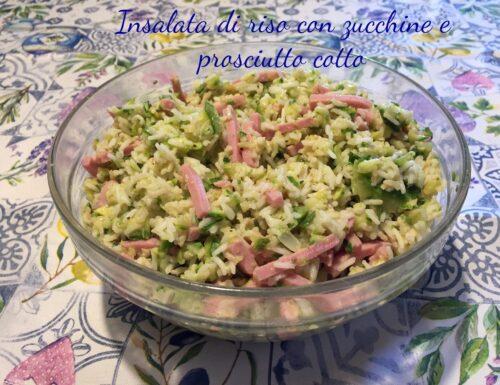Insalata di riso con zucchine e prosciutto cotto