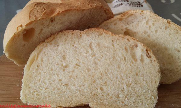 Pagnotta di pane fatto in casa