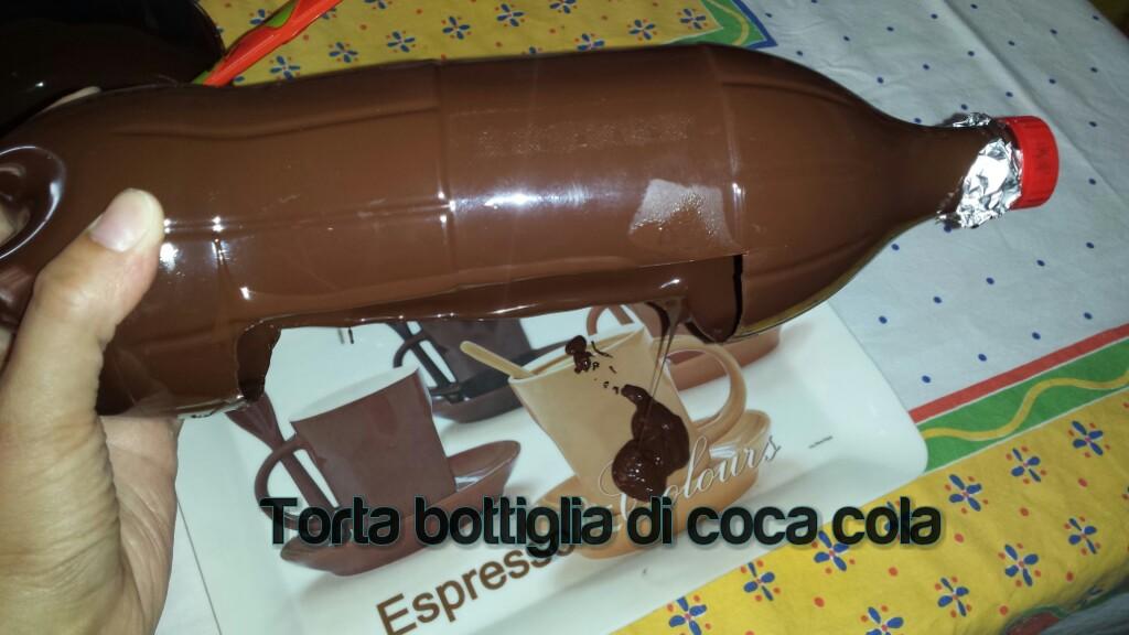 Torta bottiglia di coca cola
