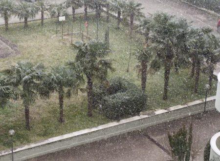 Finalmente nevica anche a Caserta anzi rinevica :)