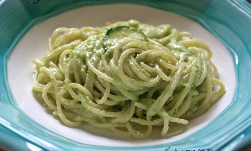 Ricetta Spaghetti con pesto di zucchine