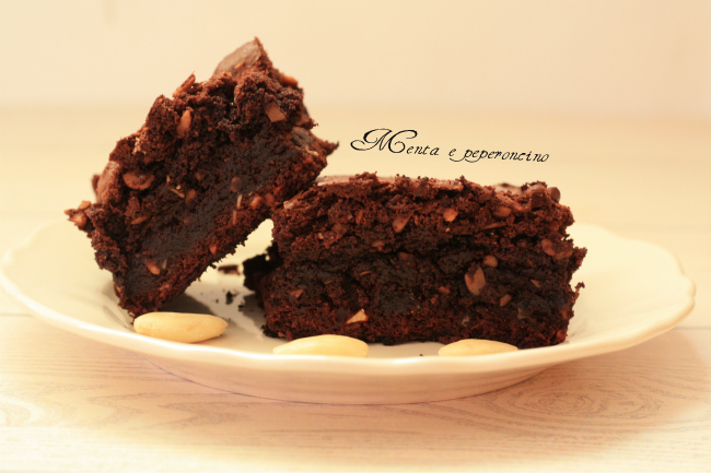 Ricetta Brownies con cioccolato e mandorle