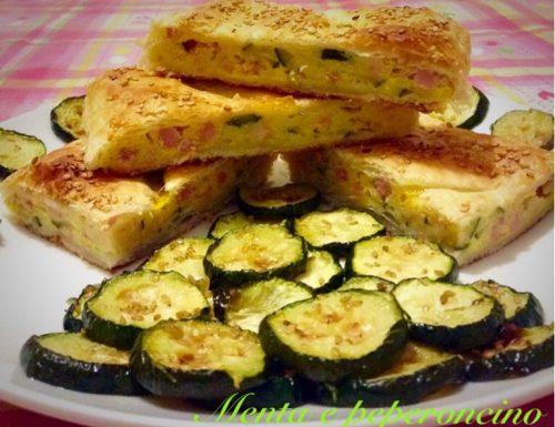 Ricetta Strudel salato ripieno di cuscus zucchine e pancetta