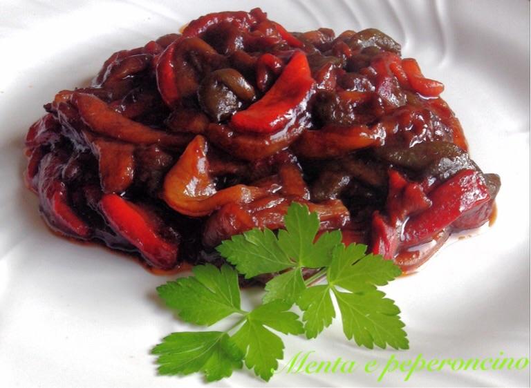 Ricetta Peperoni agrodolce al pomodoro