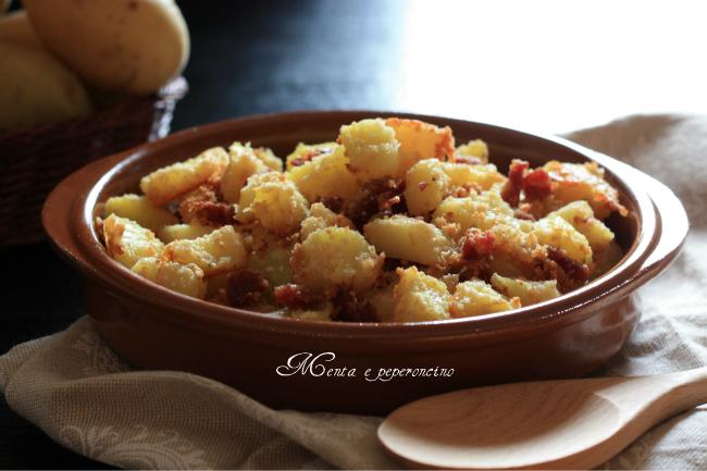 Ricetta Patate sabbiose con granella di salame