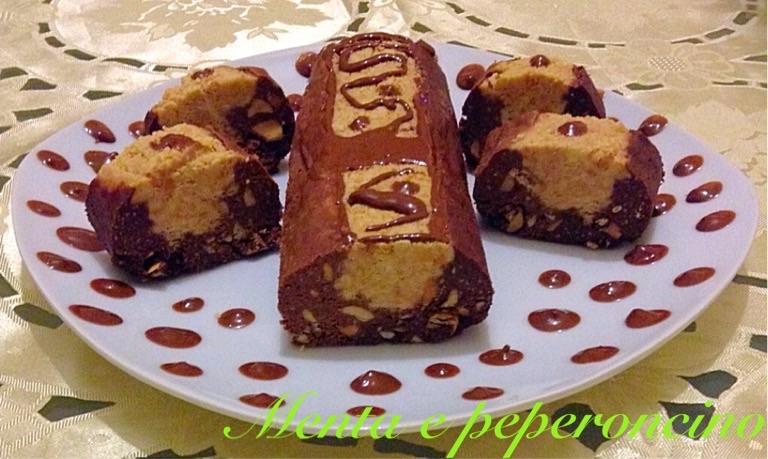Salame ai tre cioccolati con arachidi
