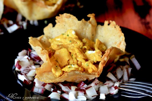 Ricetta cestini di parmigiano ripieni di uova